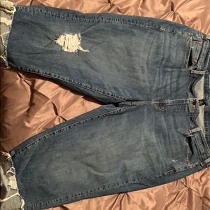 Distressed crop pants